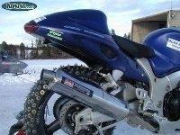 La photo du jour : moto et neige enfin compatible ?