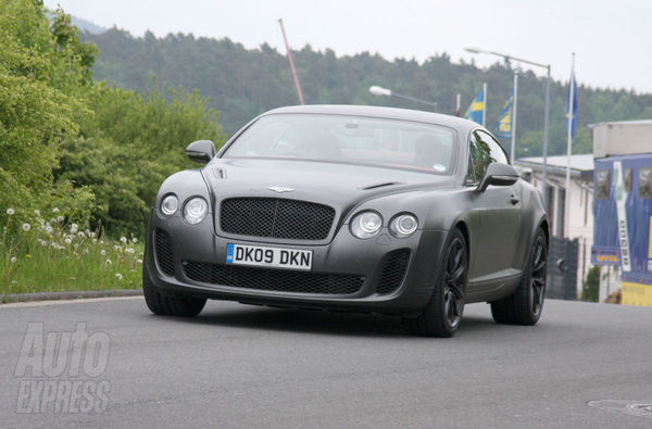Bentley Continental Supersports dans son jus, en pleine nature