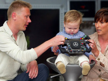 Hugo Hakkinen : le fils du double champion du monde débute en karting