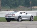 [vidéo] Les airbags latéraux de sa Chevrolet Camaro pètent pendant qu'il drifte