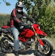 Ducati Hypermotard: Mensurations et images
