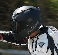 Essai Shark Race-R Pro: un casque stable et bien ventillé.