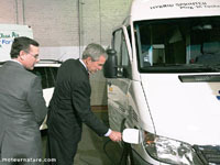 Bush inspecte le Mercedes Sprinter hybride !