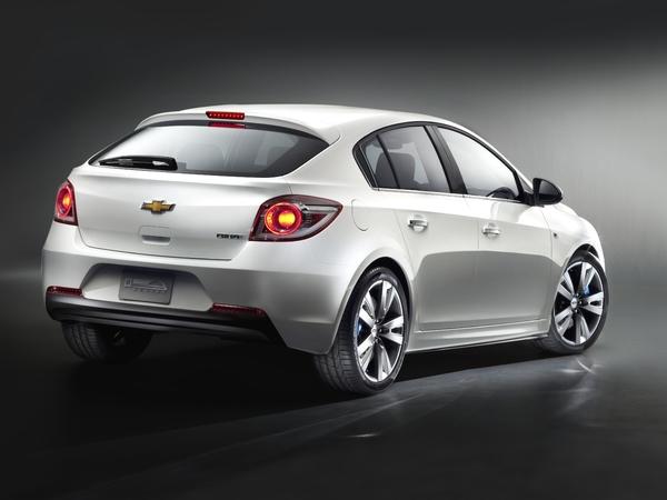 Mondial de Paris : Chevrolet Cruze 5 portes
