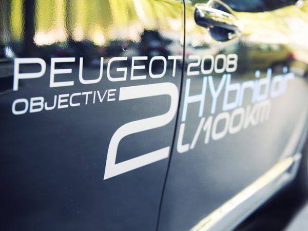 """Peugeot accuse le gouvernement d'avoir """"tué"""" l'Hybrid Air"""