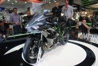 En direct d'Intermot - Kawasaki: un turbo sur la H2 qui donne de l'R!