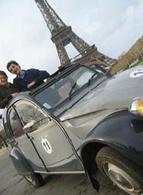 Visitez Paris à bord d'une 2 CV