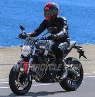 Photos volées: la prochaine Ducati Monster 800?