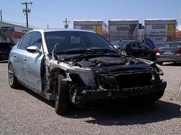 Incroyable : un concessionnaire BMW détruit la M5 d'un client et lui propose 2500 dollars de pièce en dédommagement !
