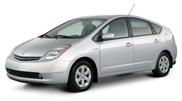 Toyota Prius EX: la réplique à l'Insight de Honda