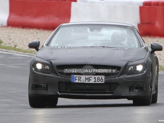 [vidéo] La future Mercedes SL63 AMG se dégourdit les pneus