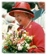 Angleterre : Queen Elizabeth II se met au green