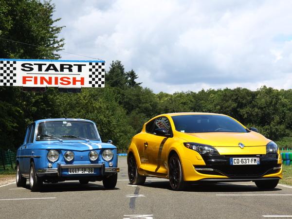 Vidéo - Renault R8 Gordini 1300 vs Renault Mégane RS 2012 : le sport à la française