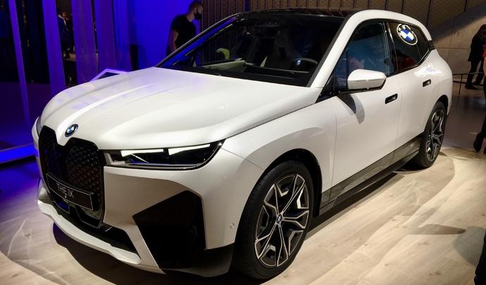 BMW iX: la figure de proue - Vidéo en direct du Salon de Munich 2021