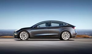 Ventes de voitures électriques : Nissan Leaf et Tesla Model 3 au coude à coude