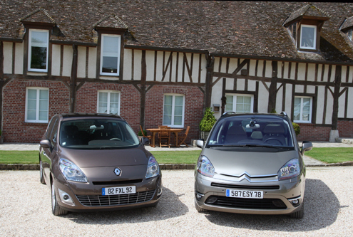 Comparatif Renault Grand Scénic 1.9 dCi 130 ch - Citroën Grand C4 Picasso 2.0 HDi 138 ch : une histoire de domination
