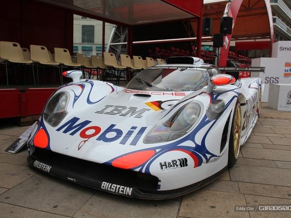 Photos du jour : Porsche 911 GT1 1998 (Parade Des Pilotes 2012)
