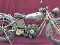 Insolite: moto Tilkin: 3 cylindres en étoile X 2: un 6 cylindres 2 temps redécouvert.