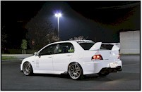Mitsubishi Lancer Evolution IX by night...