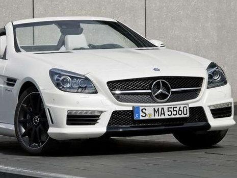 Salon de Francfort 2011 - Mercedes SLK 55 AMG : le roadster révèle ses lignes avant le salon de Francfort