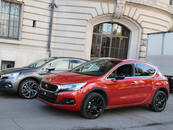 Surprise : la DS 4 Crossback immortalisée à Paris