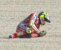 MotoGP - San Marin J.1 : Iannone touché au dos veut courir