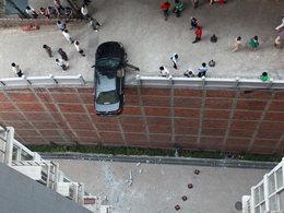 À  éviter : la marche arrière trop appuyée sur un toit-parking