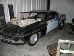 Le swap le plus méchant de l'histoire, un moteur de tank dans une Mustang (photos + vidéo)