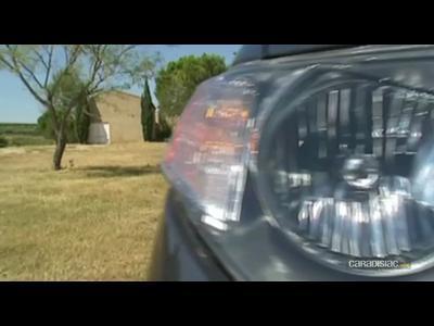 Video Mitsubishi Outlander