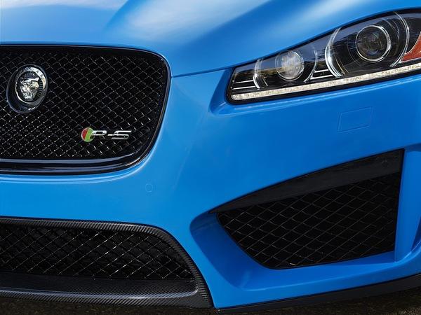 Los Angeles 2012 : Jaguar annonce la XFR-S