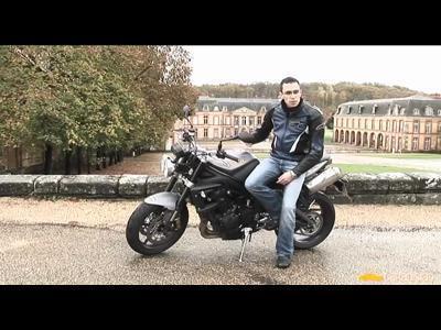"""Essai - Triumph Street Triple R 2009 : avec un """"R"""" comme sportive"""