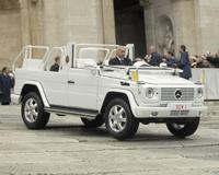 Nouvelle papamobile : tuning, 4x4 et V8 pour Benoît XVI
