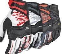 Sécurité routière: le port de gants de motocyclisme devient obligatoire