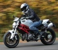 Ducati Monster 796 : de Mostro à Monster