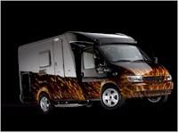 Un Ford Transit qui a le feu!!!!