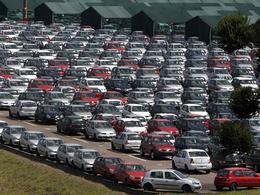 Renault va embaucher 1300 personnes ... en Espagne