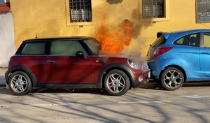 Un incendie transforme une Mini en voiture autonome
