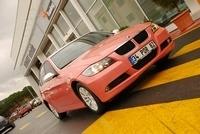 Pudracar : la BMW Série 3 Taxi rose uniquement pour femme