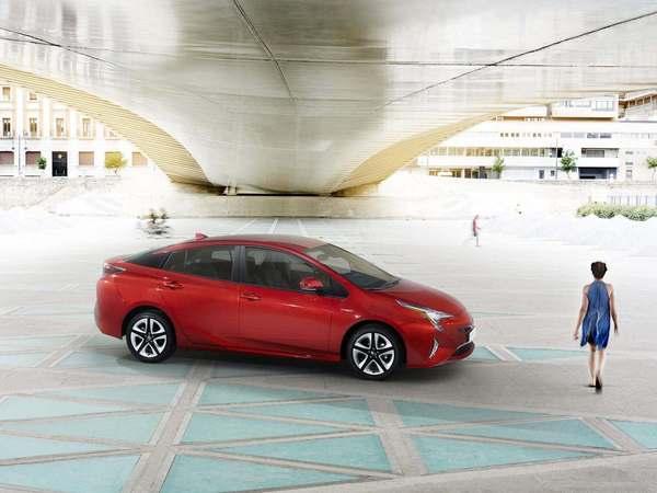 Toyota présente la mécanique hybride de la Prius 4
