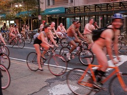 La « Naked Bike Ride » prend ses quartiers à Philadelphie et en 2011 à Paris