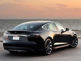 Un anonyme explore le système de la Tesla Model S