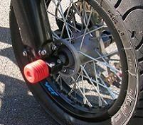 Usinage et pièces sur mesure, protections axes supermotard, Pit Bike, traitement, fraisage, appelez Christian