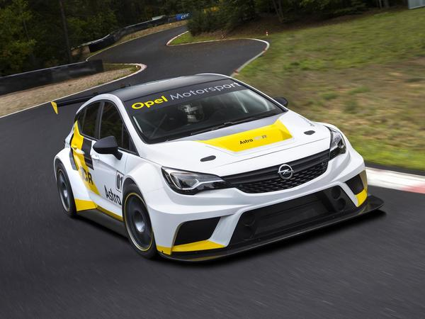 TCR Series S7-Opel-presente-l-Astra-TCR-105106