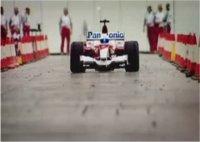 La vidéo du jour : le Stig fait joujou avec une F1 Toyota