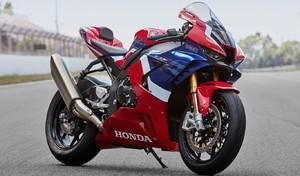 En piste au guidon de la Honda Fireblade 2020
