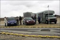 Sur les lieux de l'écrasement du Hindenburg, l'HydroGen3 de GM, une Prius de Toyota et une navette Ford E-450