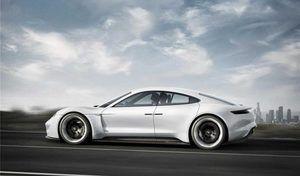 Porsche Taycan : la fiche technique dévoilée