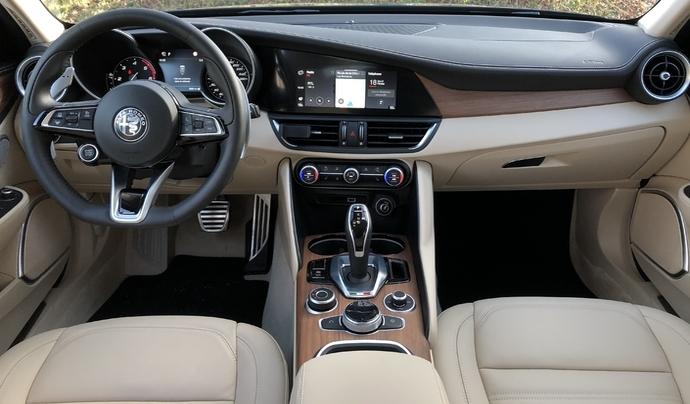 "Les futures Alfa Romeo avec le ""moins d'écrans possible"""
