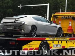 Une première Aston Martin Rapide crashée