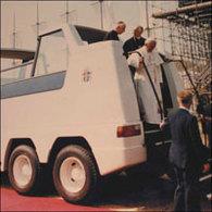 Une papamobile construite par British Leyland aux enchères